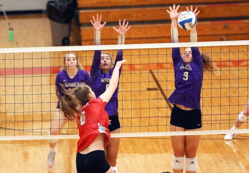 Oct. 19 South Dakota volleyball scores