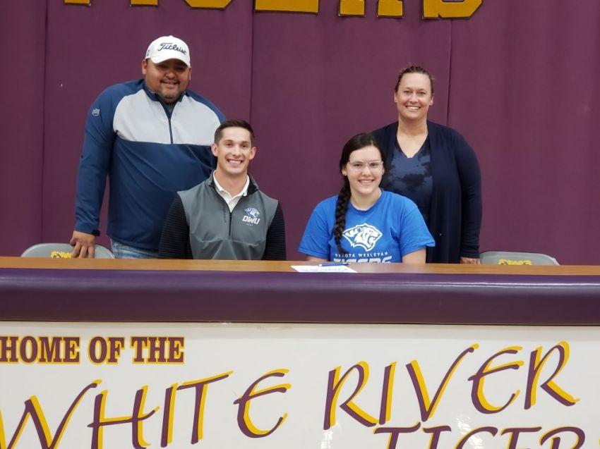 White River's Kelsey Morrison signs to play golf at Dakota Wesleyan