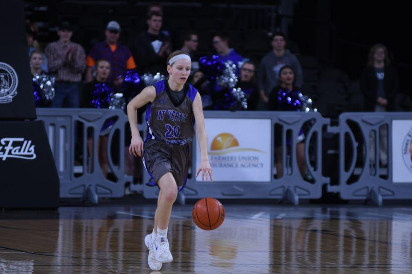 Mount Vernon/Plankinton sophomore Emilee Fox commits to South Dakota State University